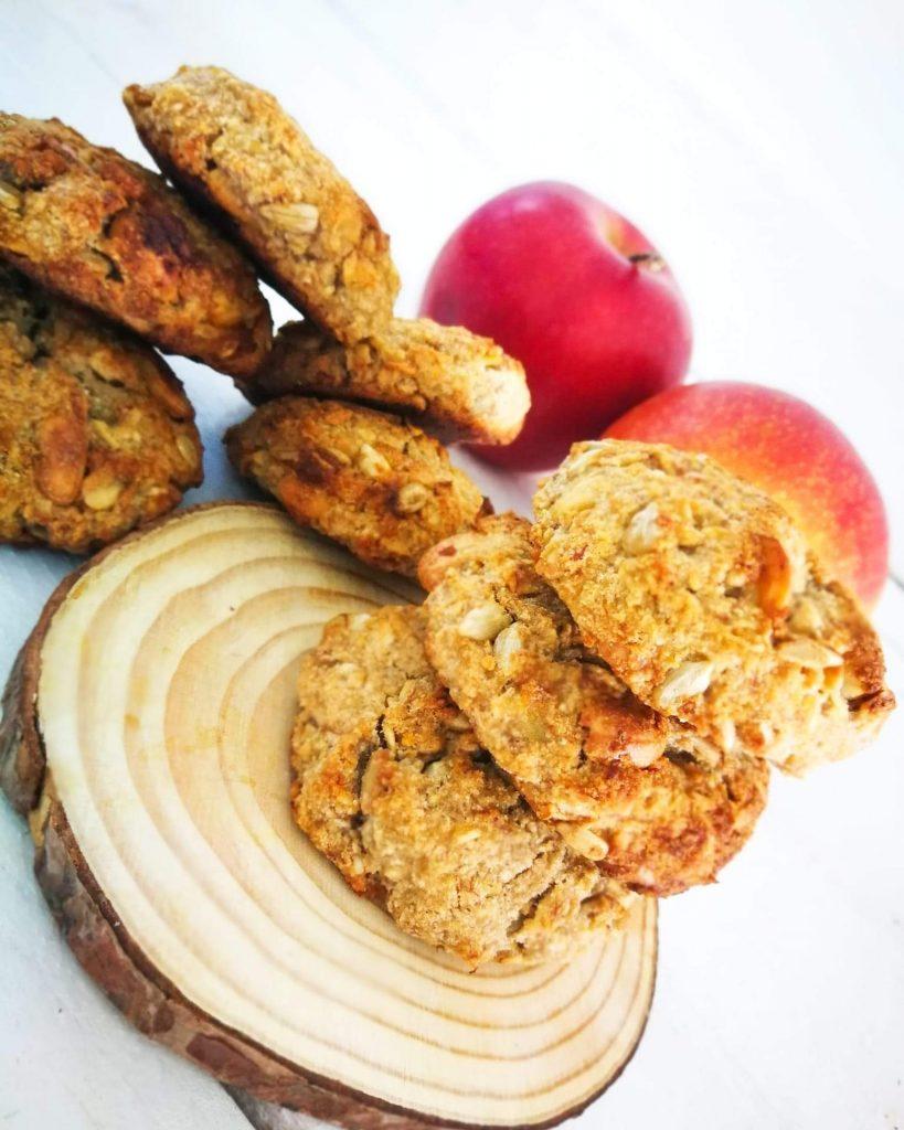 Avižiniai sausainiai su obuoliu