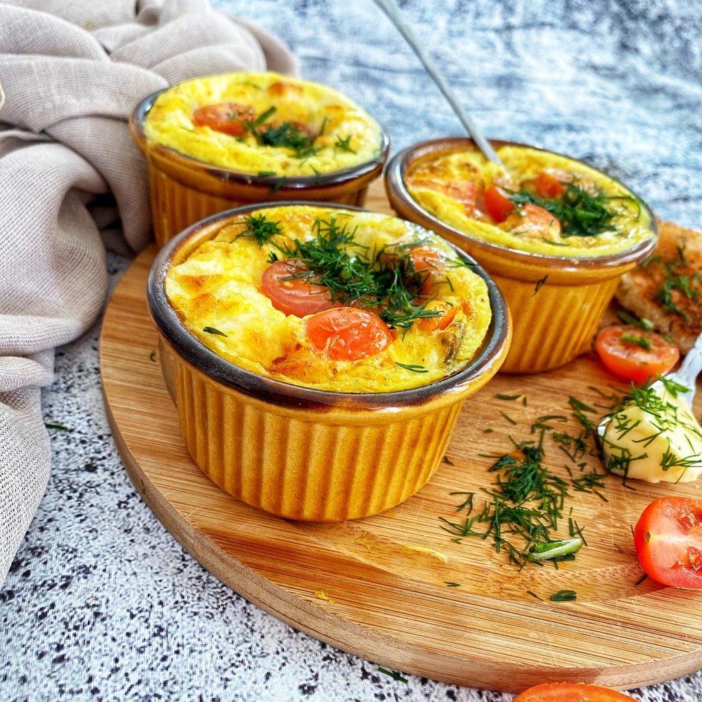 Kiaušiniai su mocarella ir pomidorais